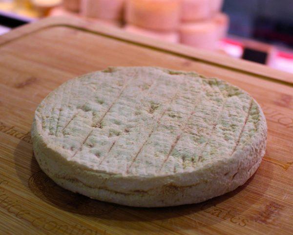Le Clapassou, fromage de la Ferme d'Ambias à Gaec disponible vente en ligne sur le site